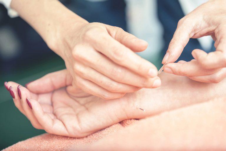הקשר בין דלקת וצריבה בשתן לכאבי גב   שגי היימר